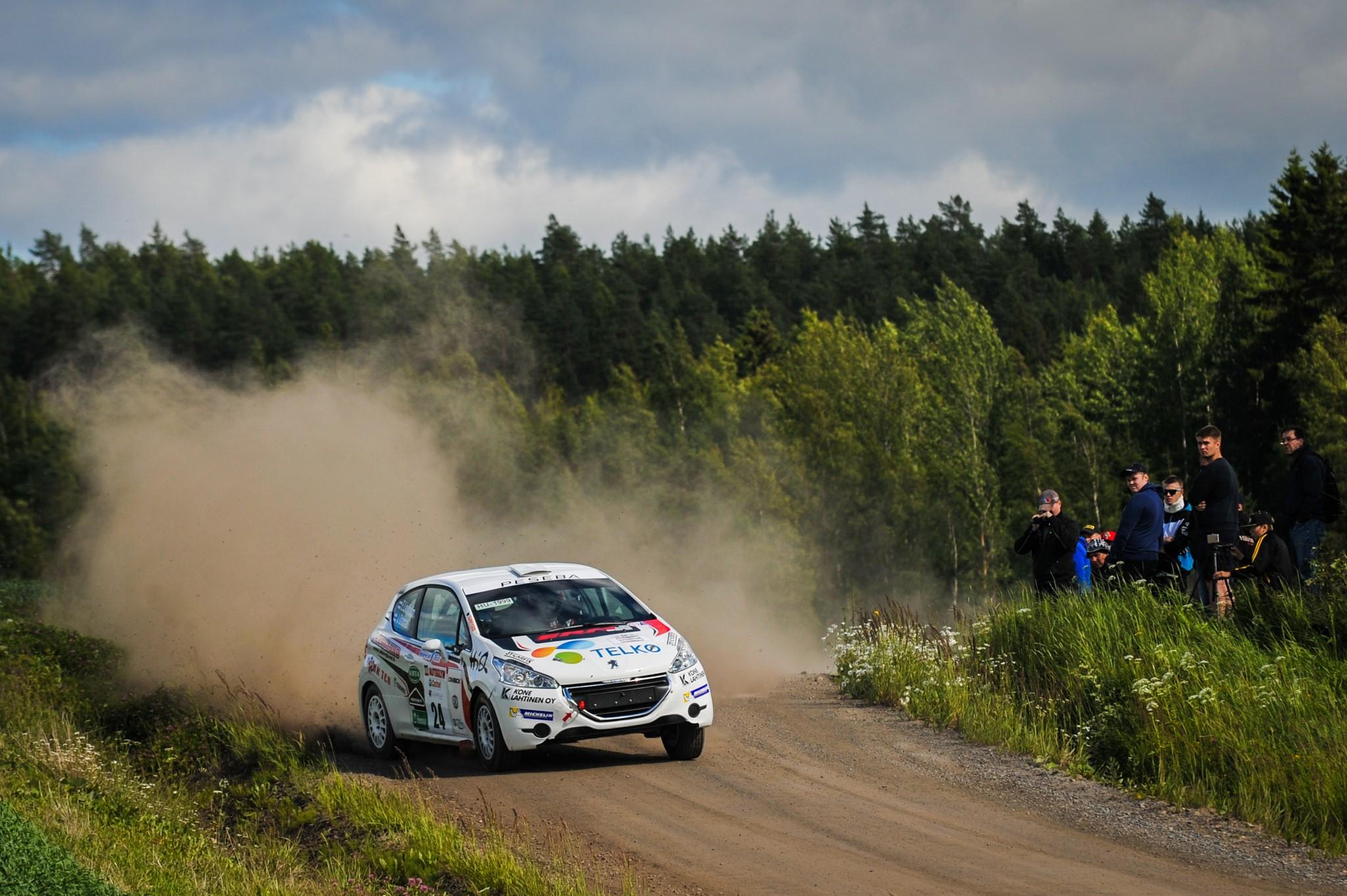 Telko Emil Lindholm auto.jpg